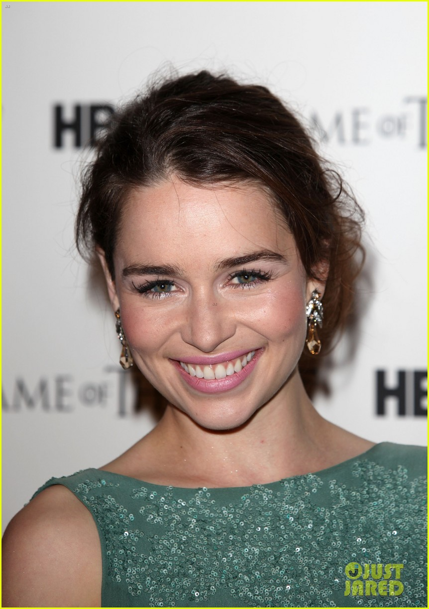 emilia clarke game of thrones dvd launch 092634981