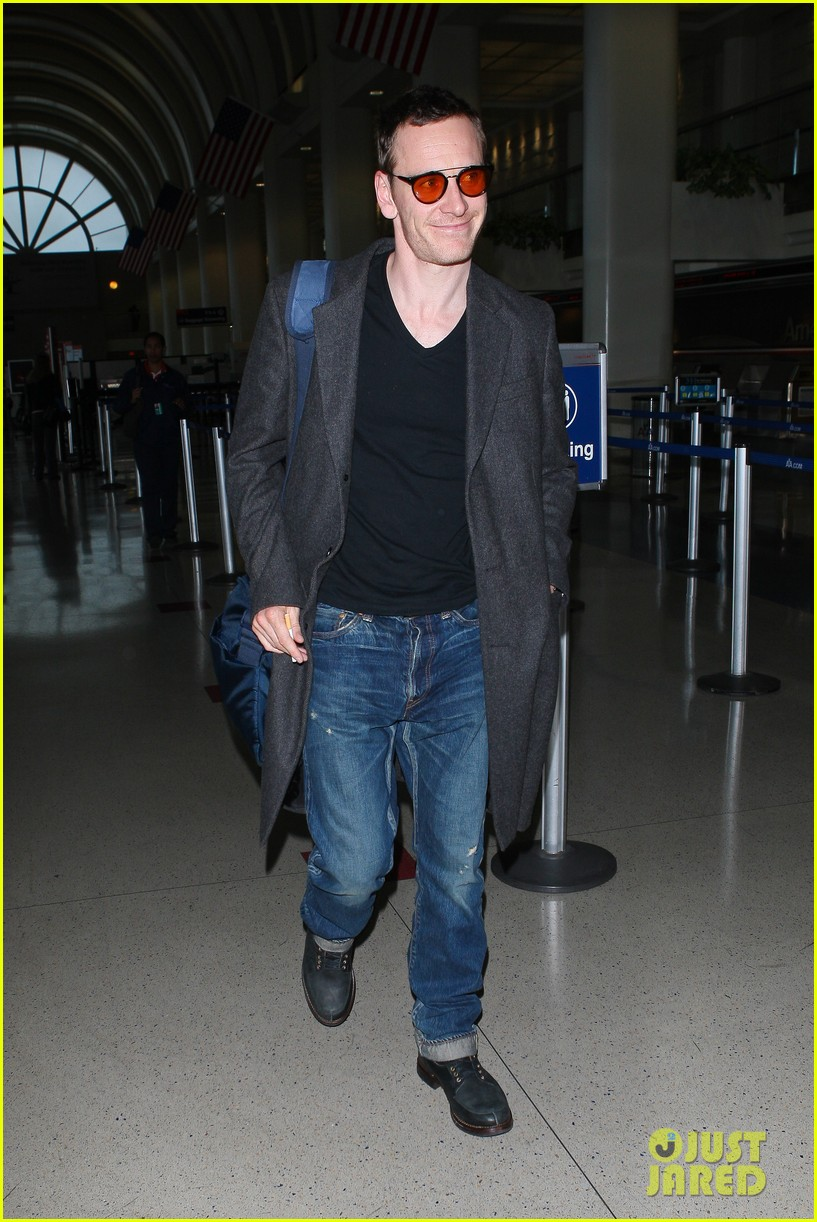 michael fassbender arrives lax 05
