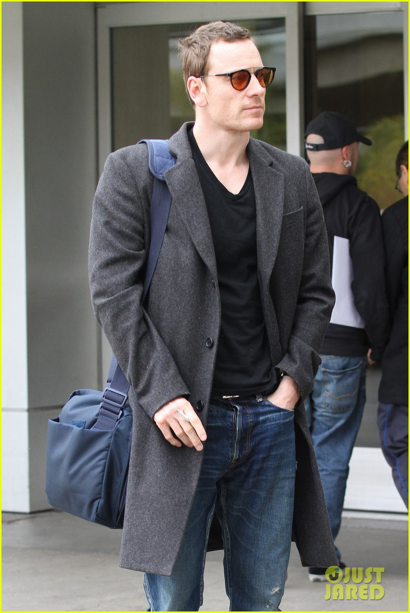 michael fassbender arrives lax 10