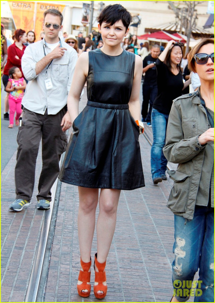 ginnifer goodwin extra appearance at the grove 01