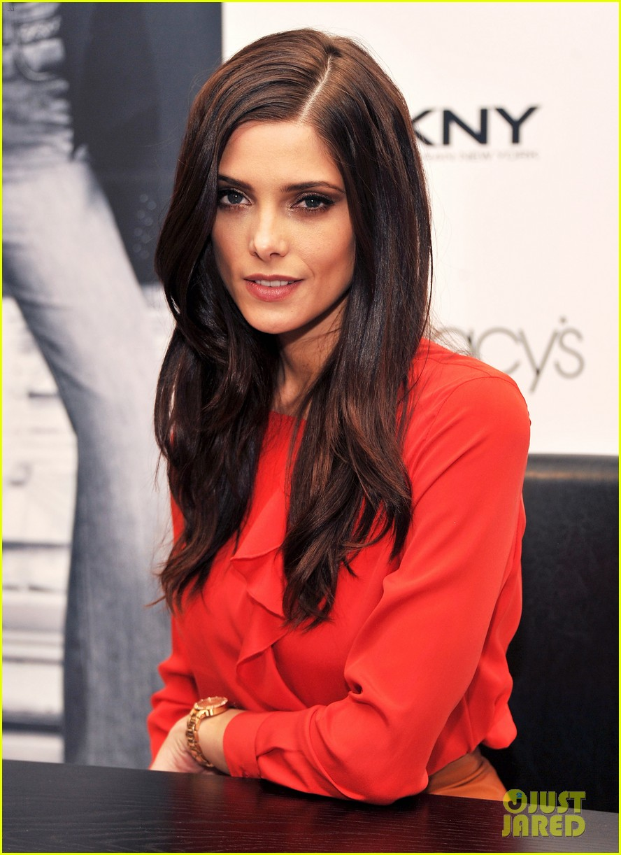 ashley greene dkny macys herald square visit 01
