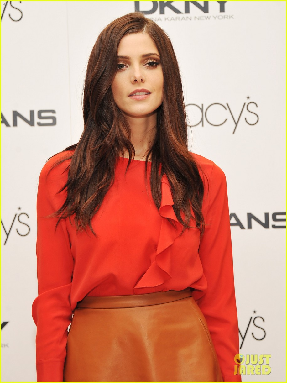 ashley greene dkny macys herald square visit 07