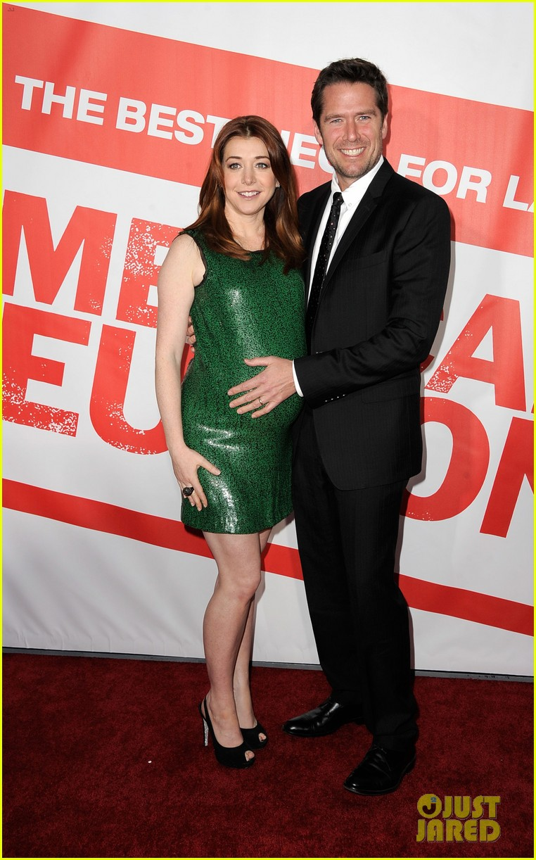 alyson hannigan american reunion cast at hollywood premiere 23