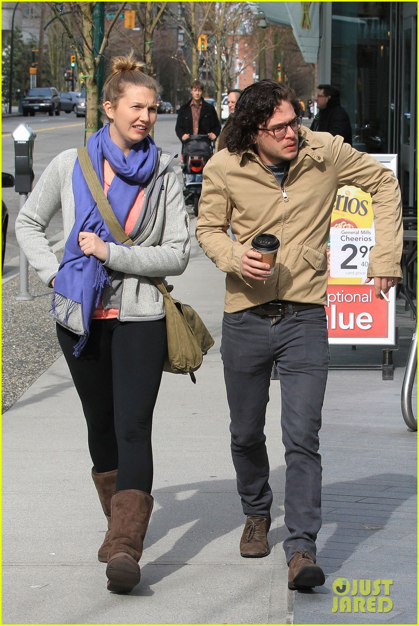 kit harington 7 eleven 042640428