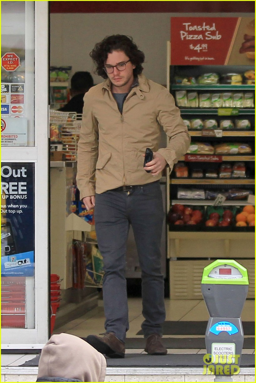 kit harington 7 eleven 11