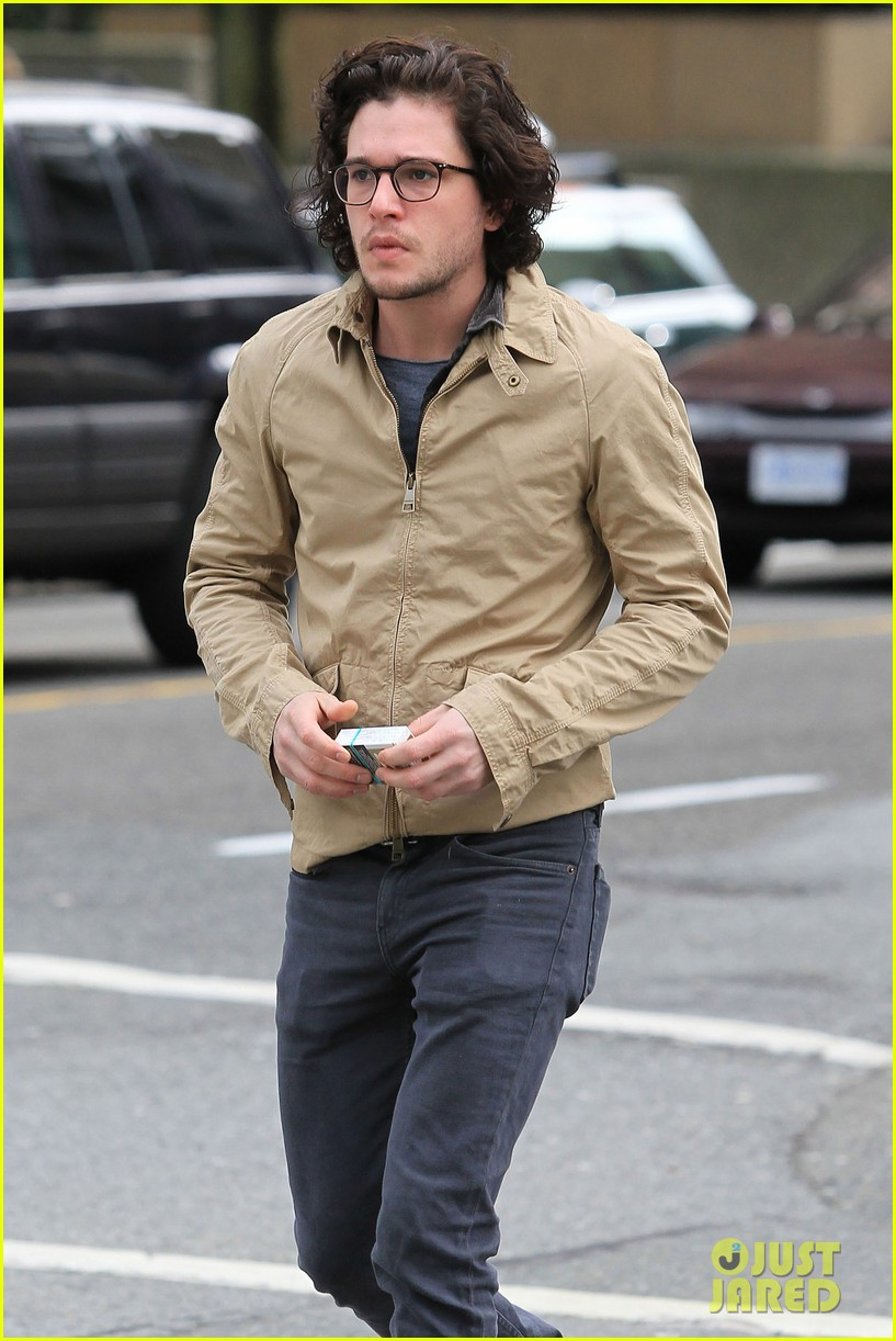 kit harington 7 eleven 152640439