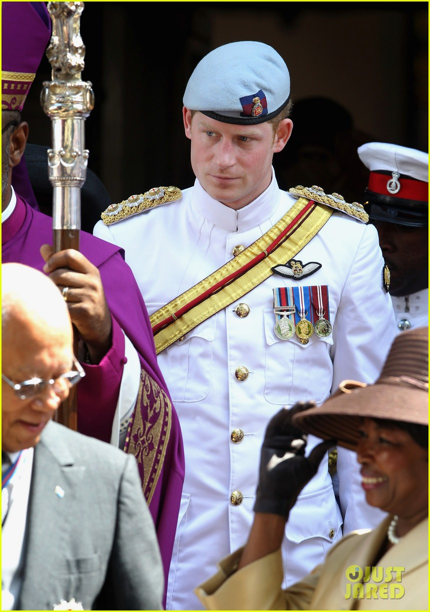 prince harry church bahamas 05