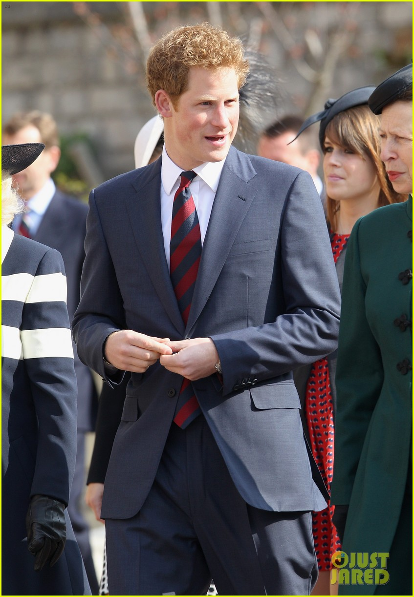 queen elizabeth prince harry church service 01