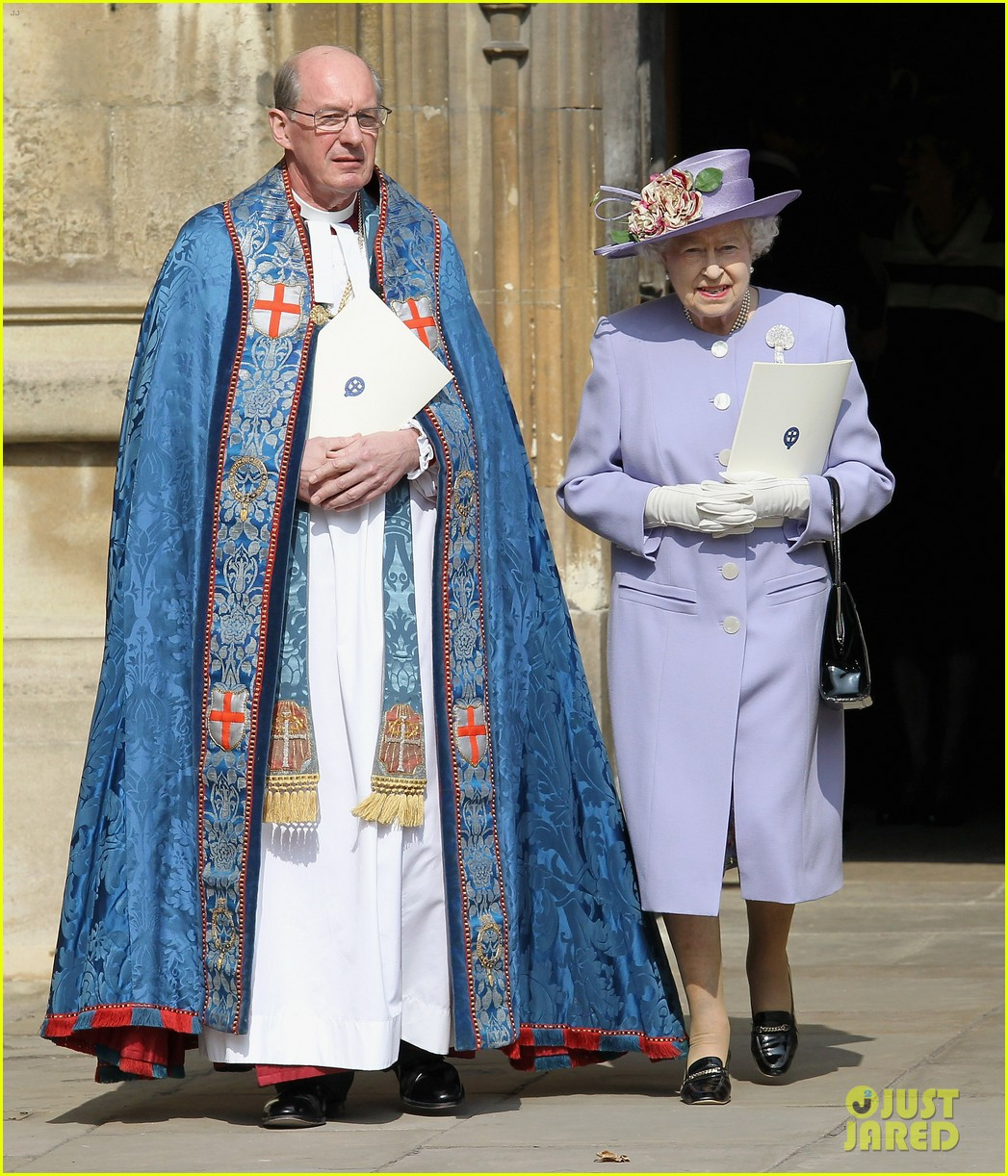 Full Sized Photo Of Queen Elizabeth Prince Harry Church