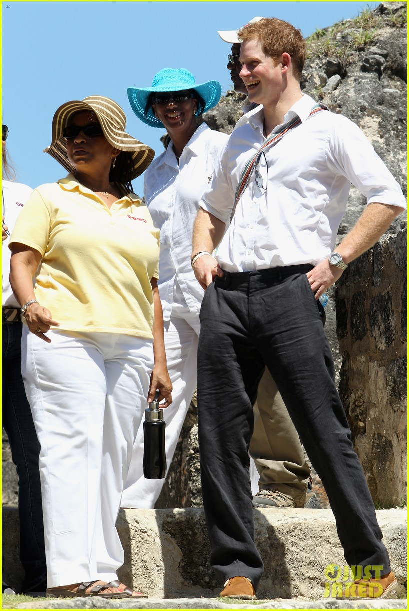 prince harry tours belize on diamond jubilee tour 14