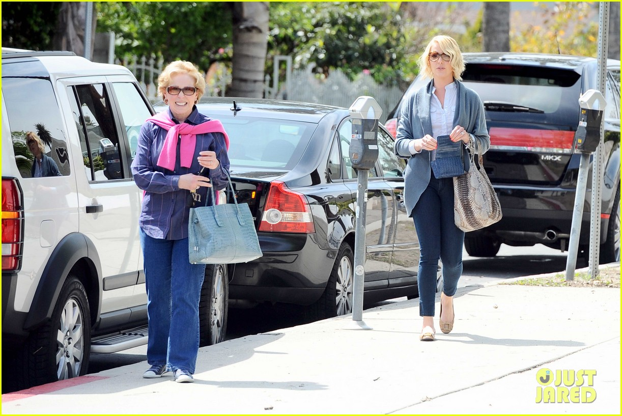 katherine heigl little doms lunch with josh 06