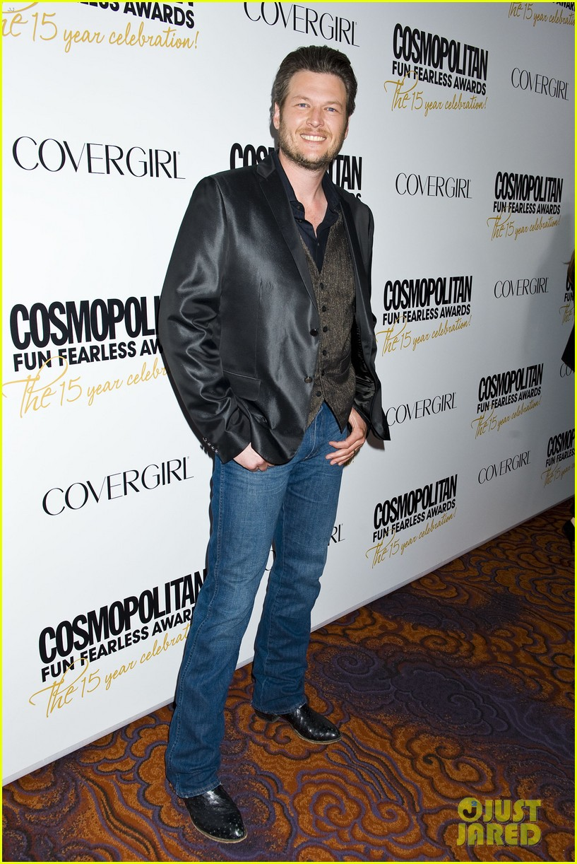 liam hemsworth jesse williams cosmo fun fearless awards 01