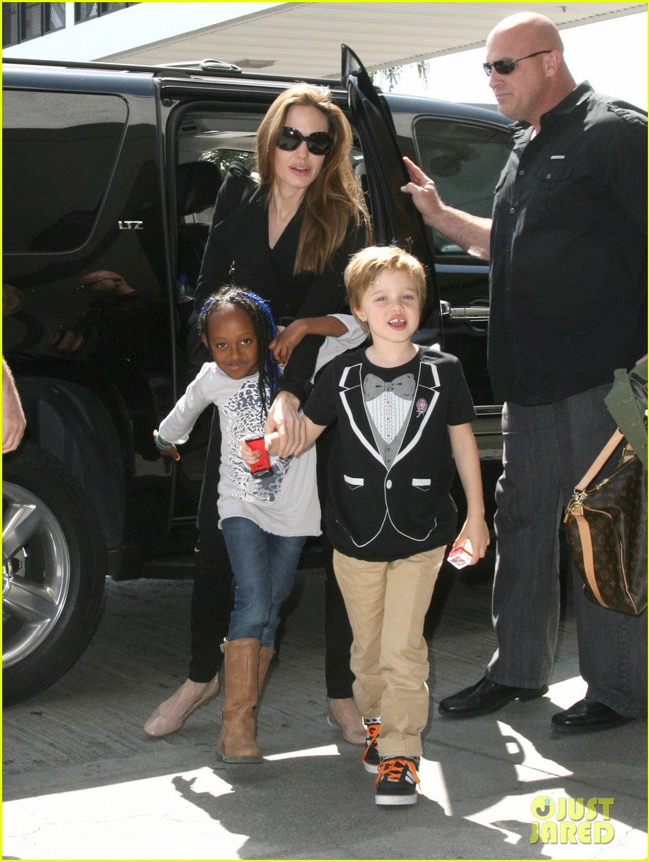 angelina jolie zahara shiloh lax 01