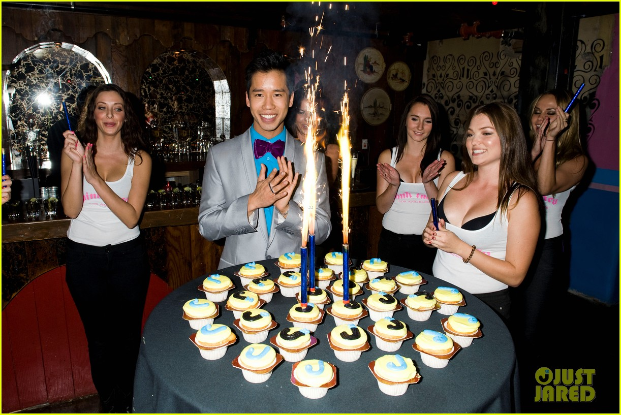 just jared 30 birthday bash 05