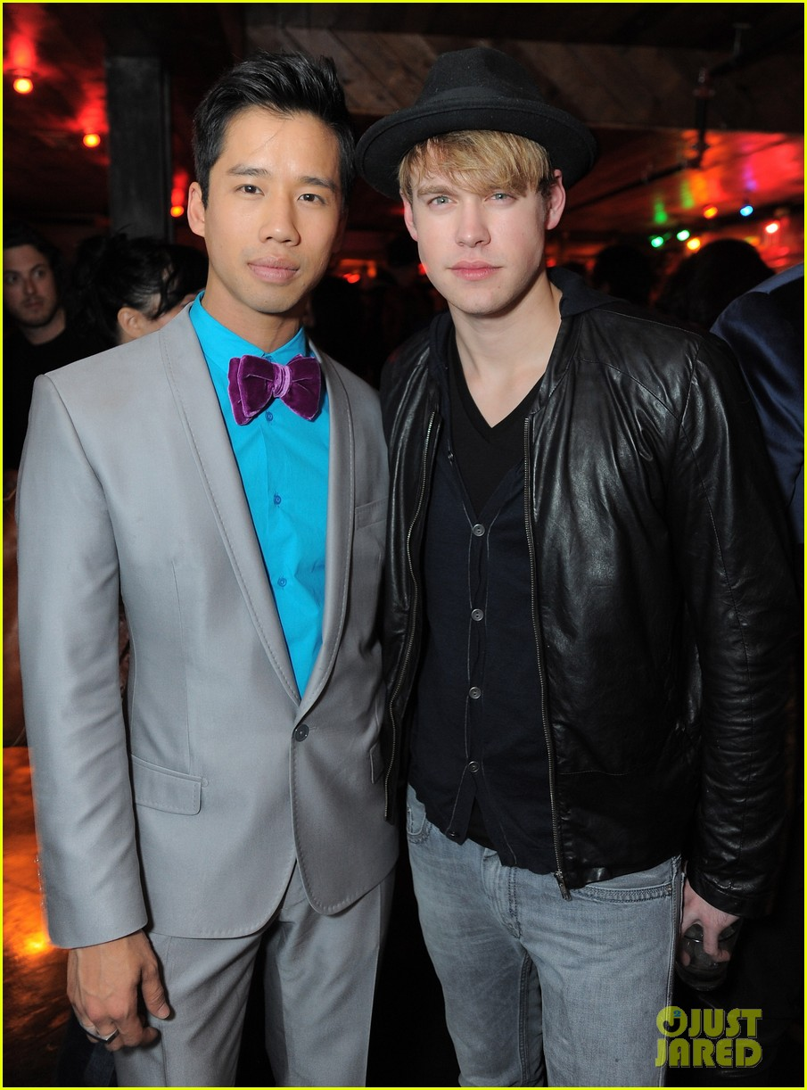 kellan lutz glee guys justjared thirtieth bday 042641776