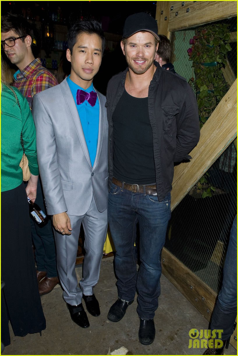kellan lutz glee guys justjared thirtieth bday 11