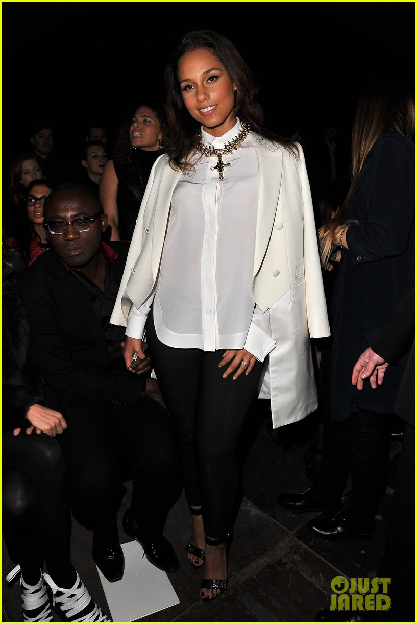 alicia keys kanye west givenchy paris show 05