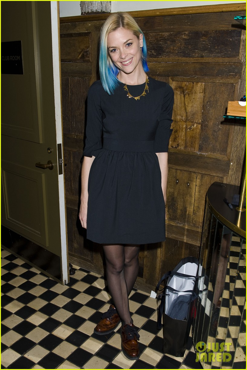 jaime king blue hair kyle newman birthday party 09
