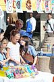 heidi klum sells girl scout cookies with leni 15