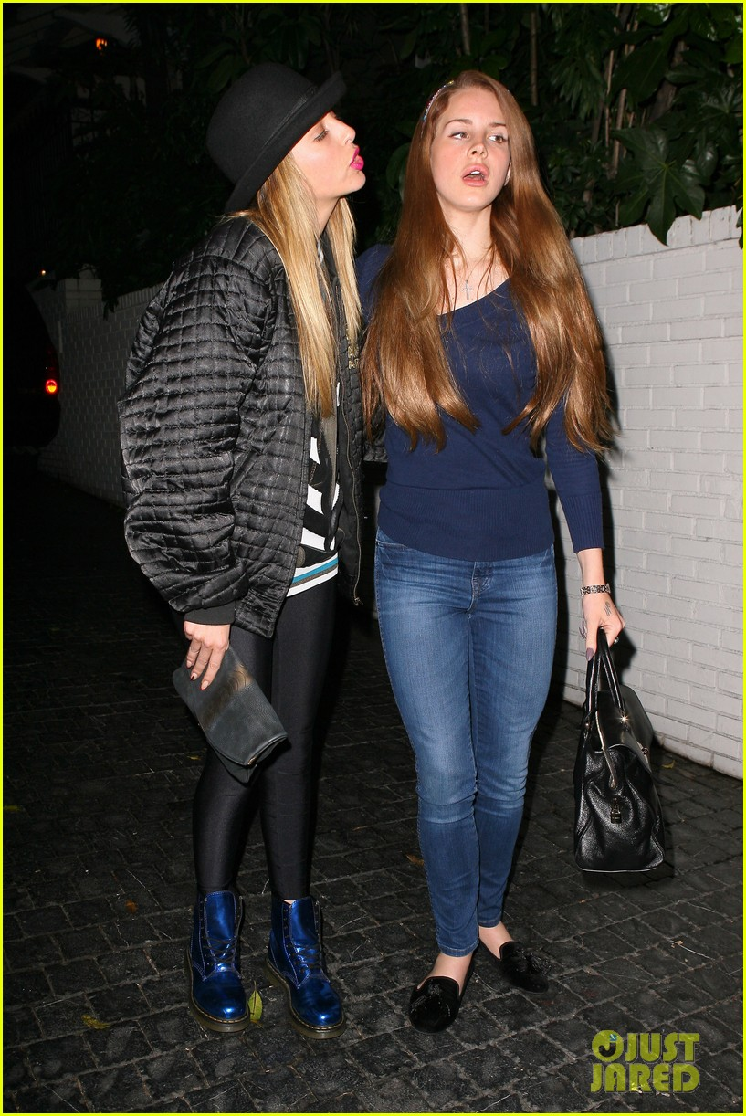 lana del rey chateau marmont night 03