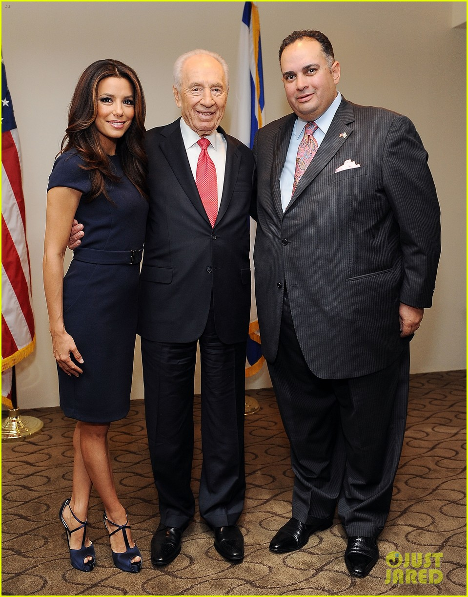 eva longoria shimon peres latino jewish leaders meeting 042638245