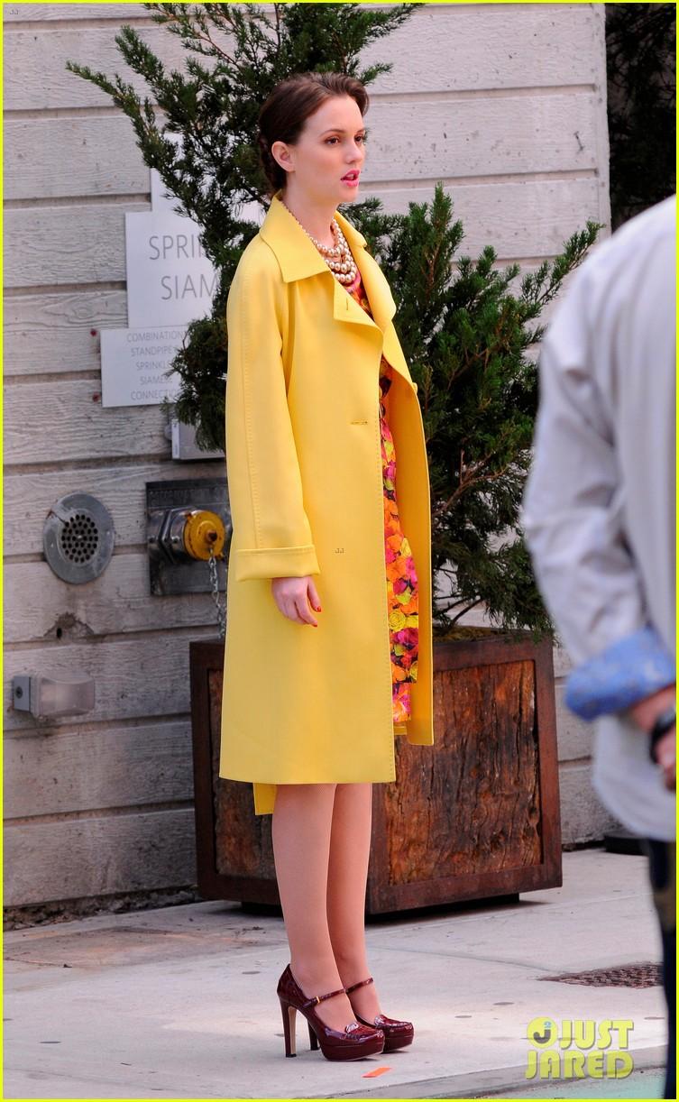 full sized photo of leighton meester yellow coat gossip