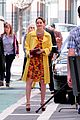 leighton meester yellow coat gossip girl set 01
