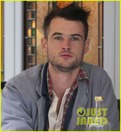tom sturridge like minds