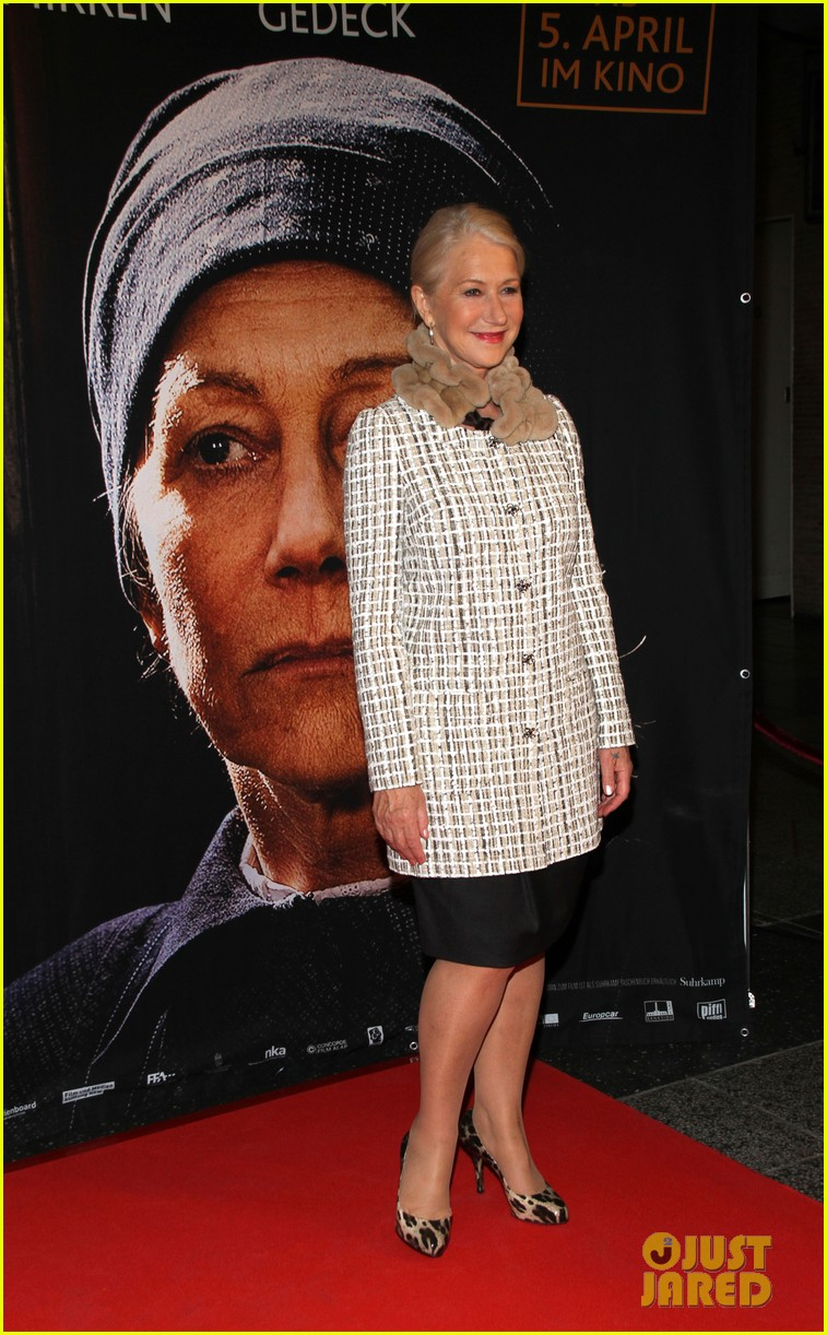 helen mirren door berlin premiere 062637637