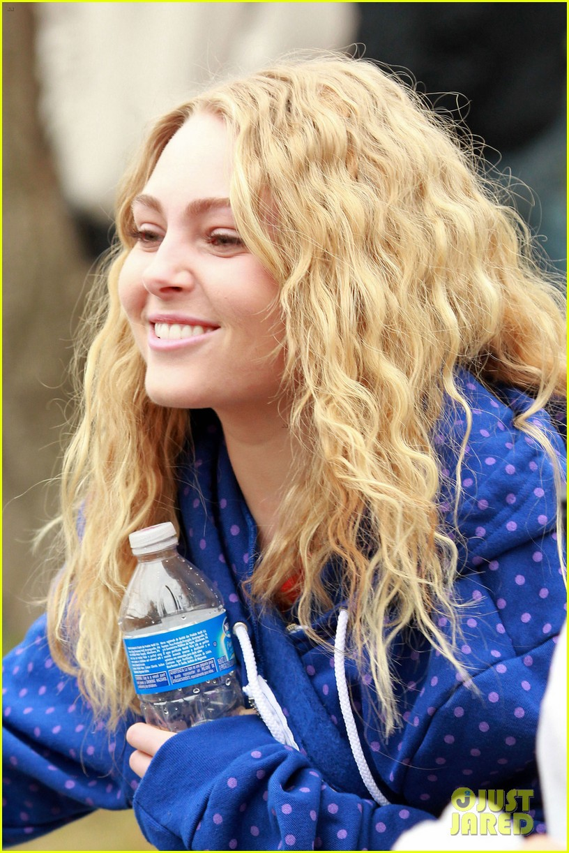 annasophia robb carrie diaries set 022641049