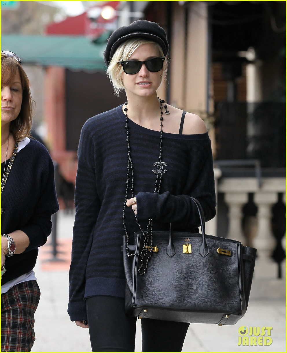 ashlee simpson lunch mom tina 02