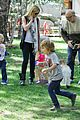 gwen stefani easter egg hunt 14
