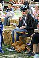 gwen stefani easter egg hunt 19