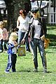 gwen stefani easter egg hunt 21