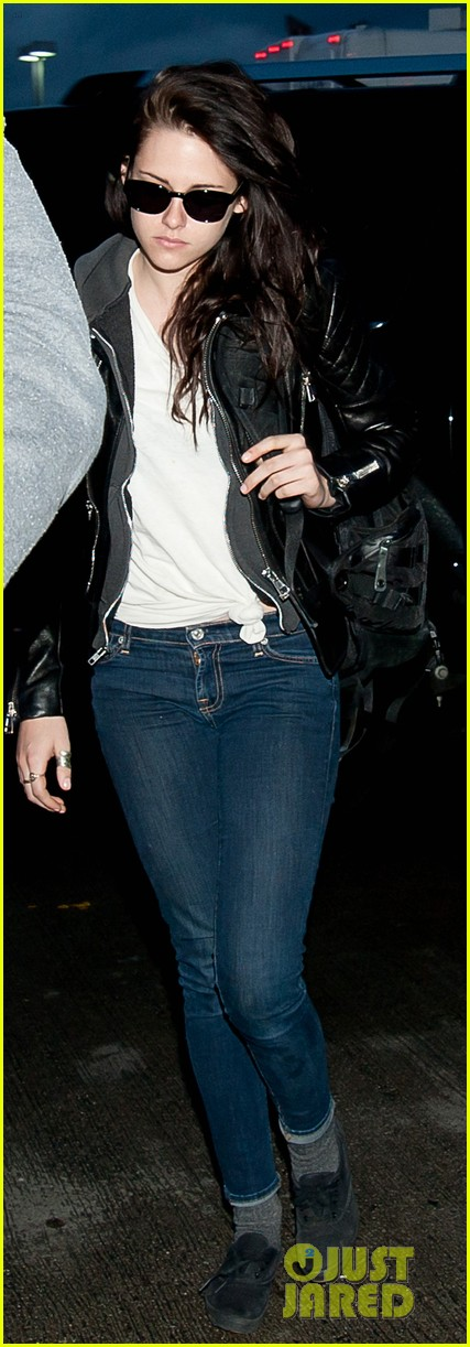 kristen stewart leaving lax 022640252