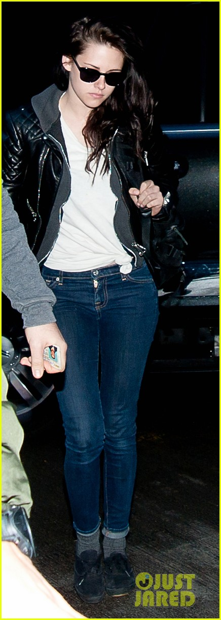 kristen stewart leaving lax 04