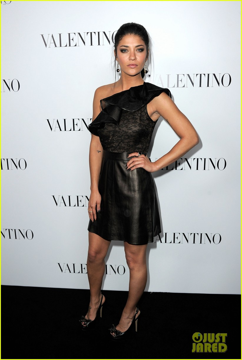 jessica szohr ashley madekwe valentino rodeo drive opening 12