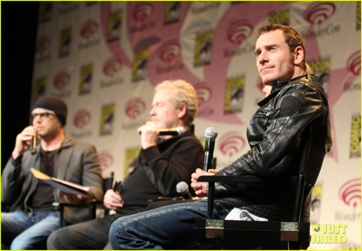 charlize theron michael fassbender prometheus panel wondercon 02