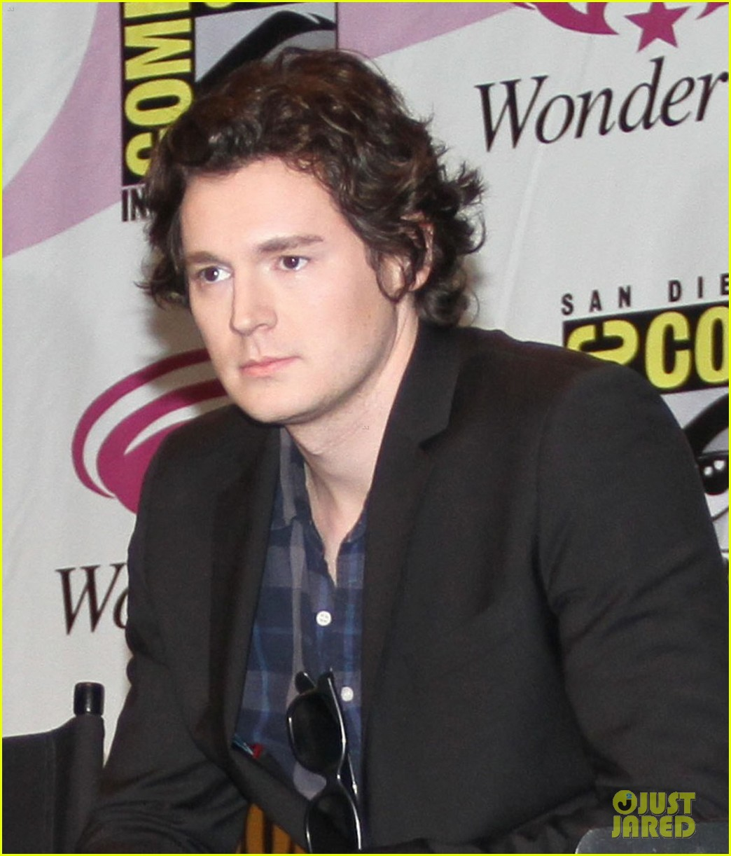 benjamin walker wondercon 052640122