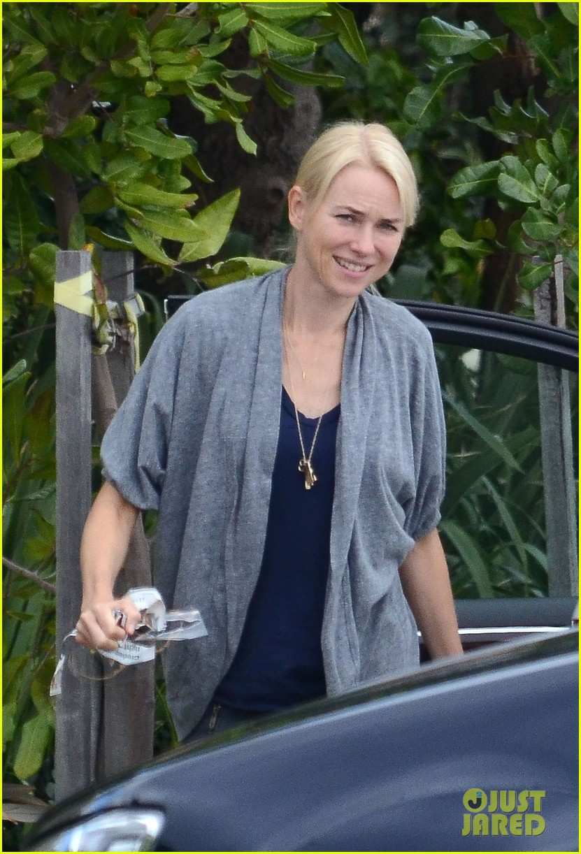 naomi watts xavier samuel grandmothers 052641538