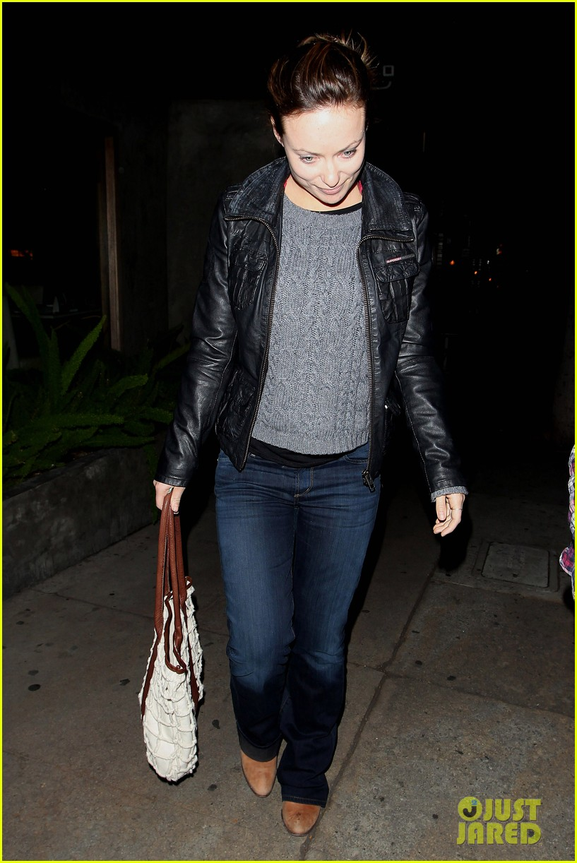 olivia wilde friend evening 03