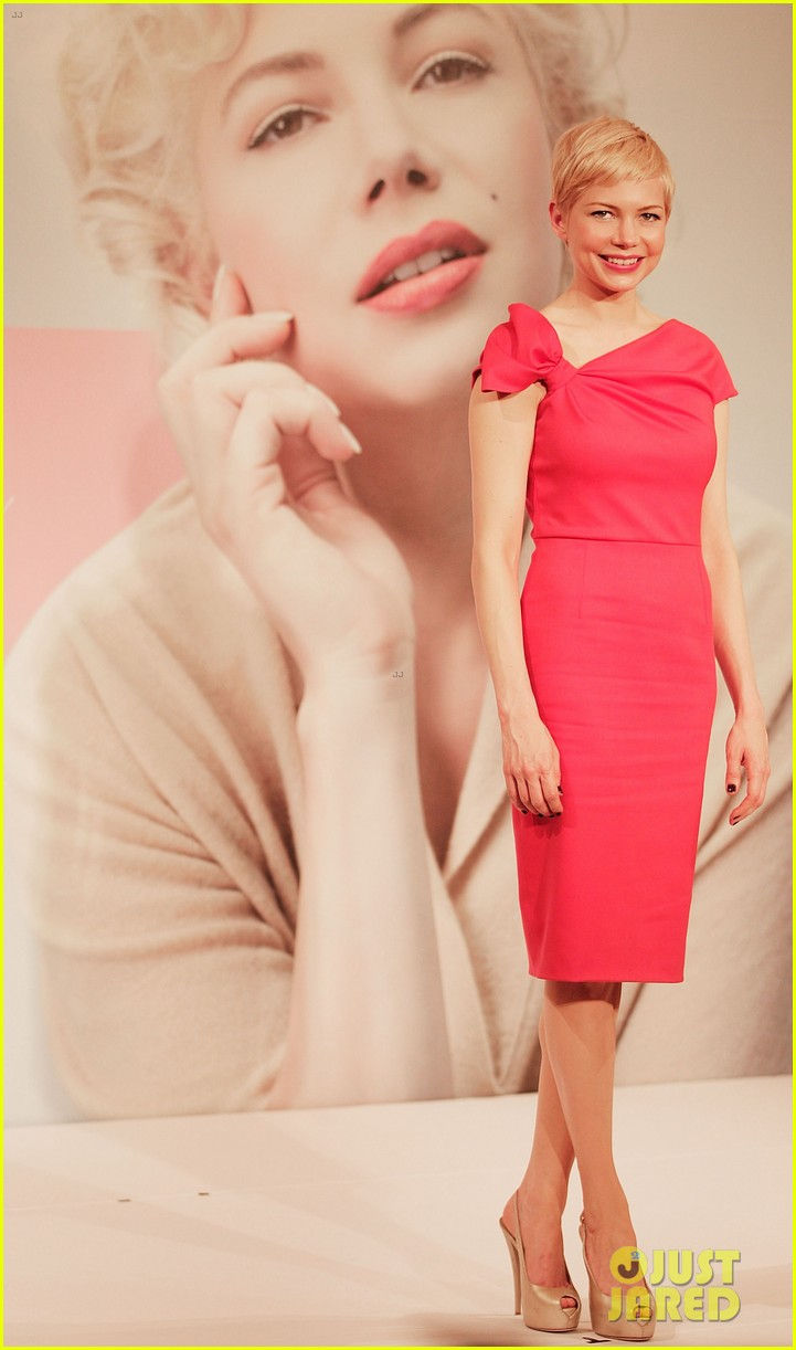 michelle williams tokyo press conference 01