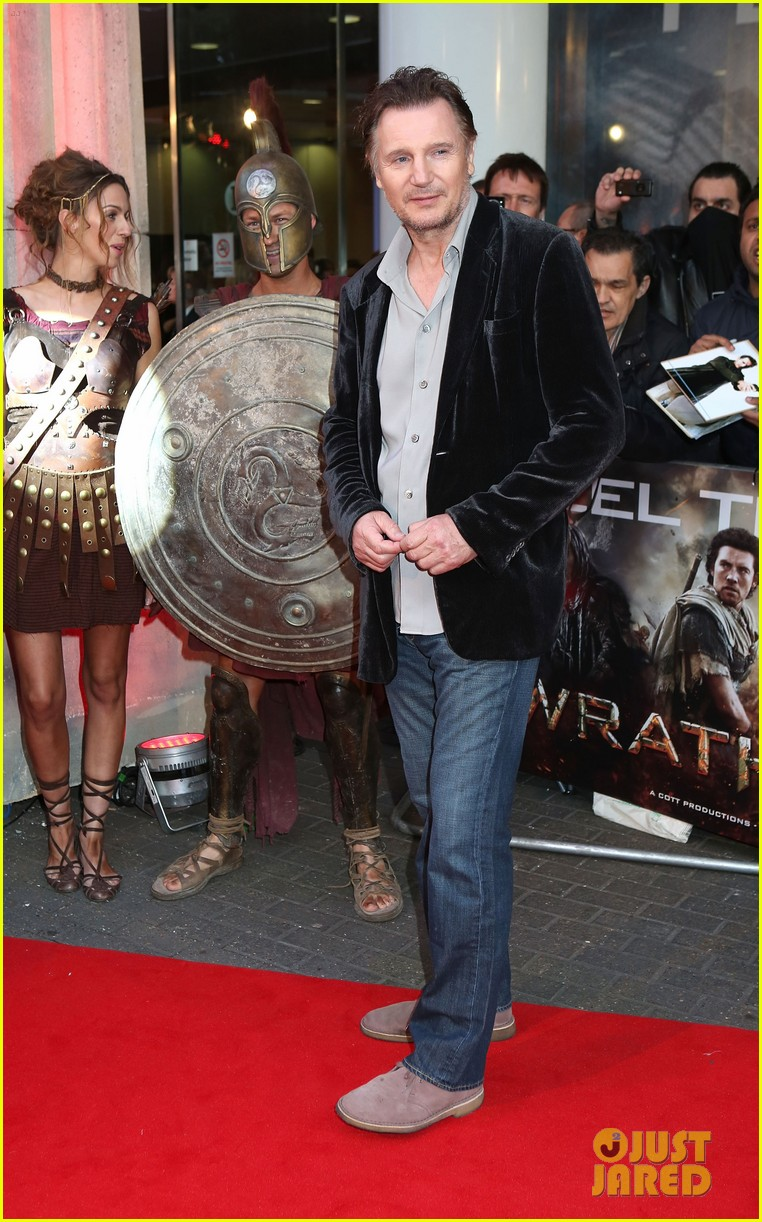 sam worthington wrath of the titans london premiere 072643502