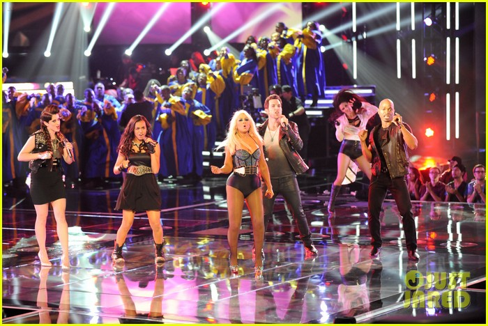 christina aguilera fighter the voice 062650043