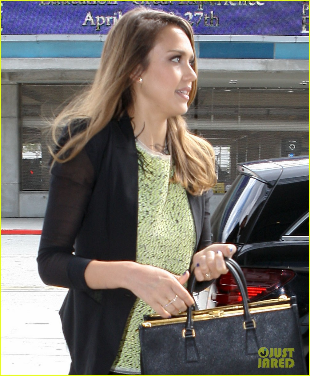 jessica alba ypo meeting 04