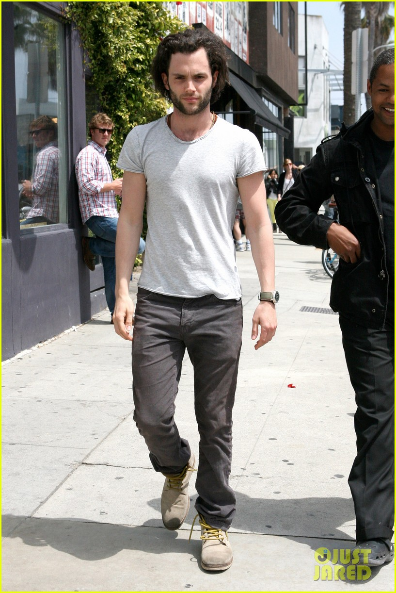 penn badgley venice lunch 04