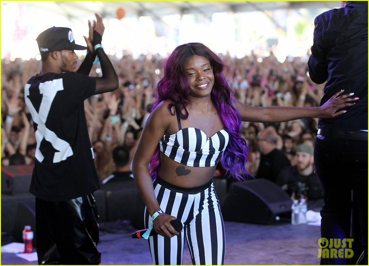 azealia banks 212 live at coachella 03