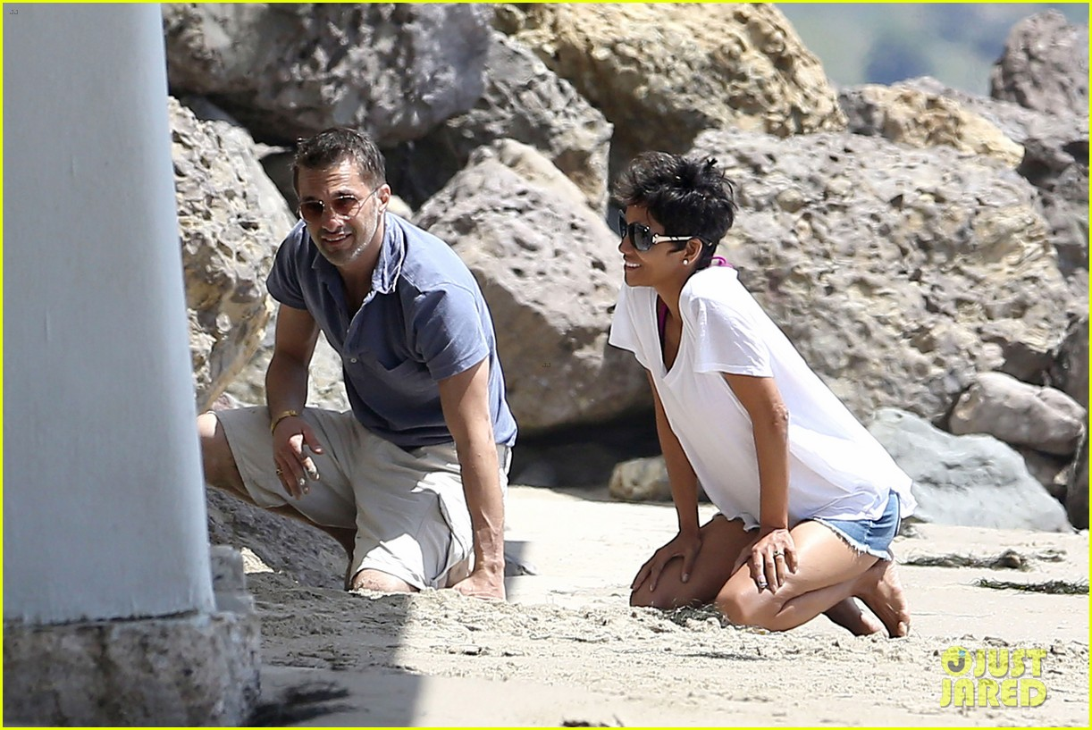 halle berry olivier martinez malibu beach time with nahla 162646517