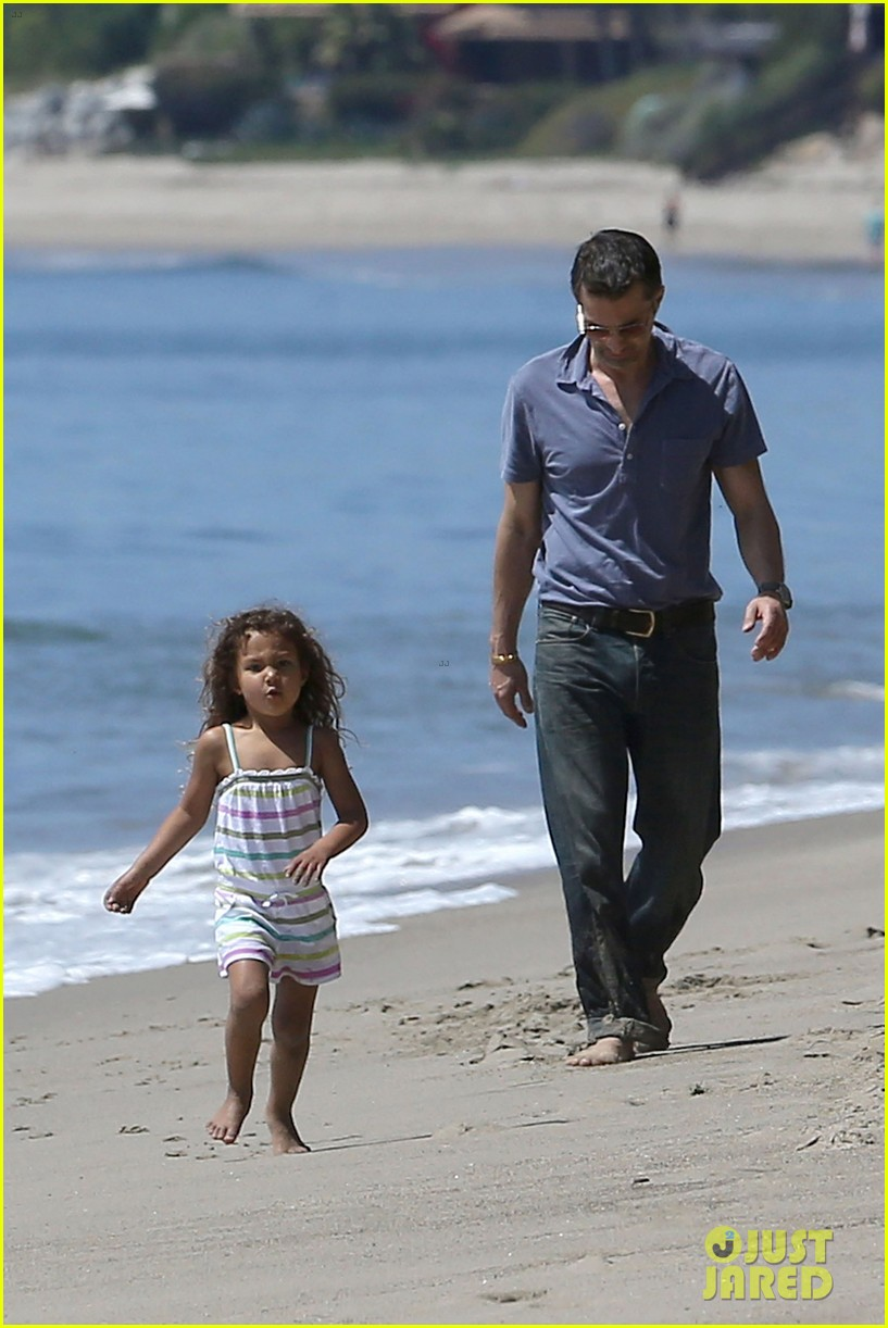 halle berry olivier martinez malibu beach time with nahla 23
