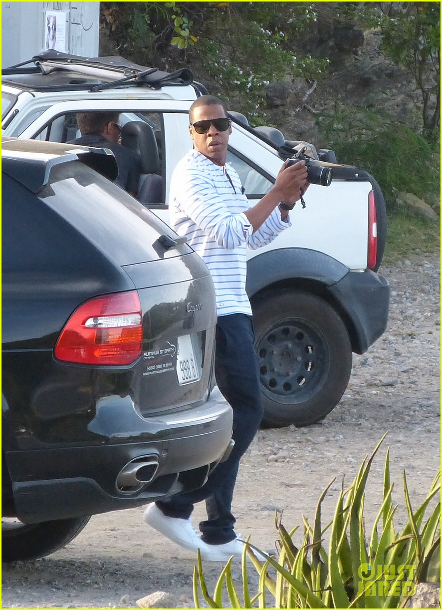 beyonce jay z boating blue ivy 062646896